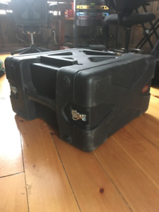 SKB 6U rack case