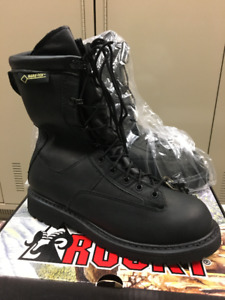 BRAND NEW ROCKY GORE TEX BOOTS