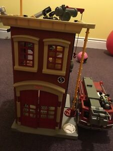 Fisher price imaginext Firehouse and Firetruck