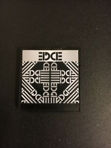 Nintendo DS EDGE card + microSD (play all DS games for free)