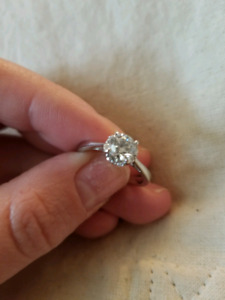 Canadian Diamond Solitaire with halo