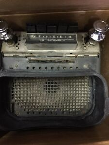 Wanted 1947-1952 Chevrolet truck radio or parts working or not