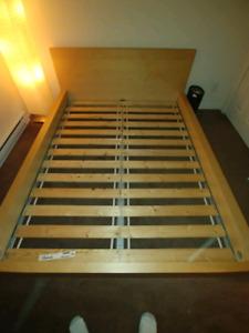 Ikea bed quuen