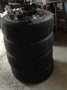 Snow tires(winter tires) with rims and jack, for sale
