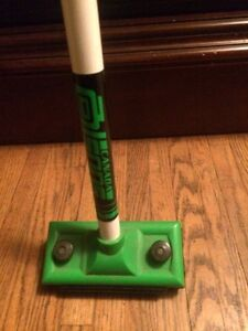 Olson curling broom in good condition
