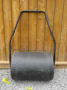 18 x 24 270lb. COMBINATION PUSH/TOW LAWN ROLLER