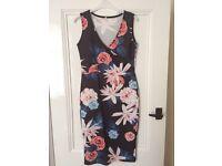 Flowery black bodycon midi dress