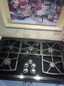 """Gas cooktop 36"""" Dacor SGM365B with Griddle and Wok Ring"""