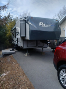 2011 Jayco Eagle SuperLite - 26.5ft Fifth Wheel