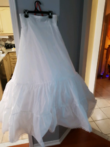Wedding dress crinoline