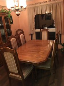 Dining Room Set by Arcese Bros. Ltd