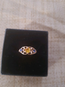 Cute 10k yellow gold ring size 6