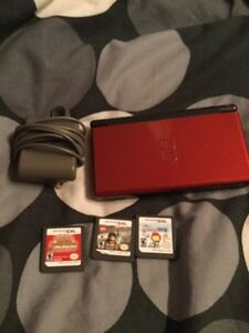 Red Ds lite w/ pokemon white and mystery dungeon +2 more games
