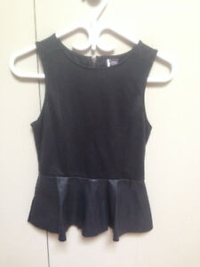 Haut Urban Outfitters (neuf)/Urban Outfitters top (new)