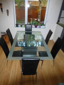 SUPER AFFAIRE ! Magnifique Table à dîner DESIGN et MODERNE