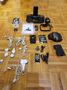 Apple iPhone 4 (16GB) + SANYO Radio + Beaucoup d'EXTRAS