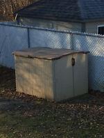 Remise à toit coulissant