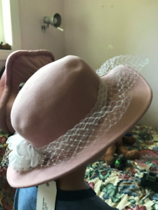 selling ladies hats - 2 for  10 3ed871cd3387