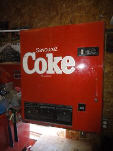distributrice de canette  Coke