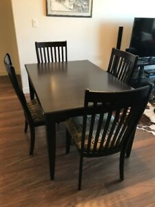 """Solid Wood Kitchen table, 18"""" Leaf and 6 Chairs"""