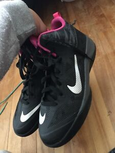 Basketball shoes size 6.5-7 40$ OBO