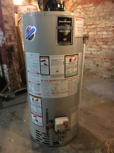 Bradford White 50 Gal. Natural Gas Water Heater - Power vented