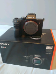 Sony mirrorless A7Riii (Body Only) BNIB