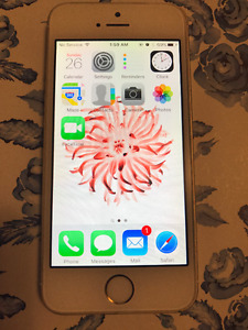 Iphone 5S - Gold - 16GB - used - works like NEW