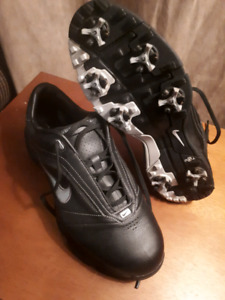 NikeAir Golf Shoes size 8.5W