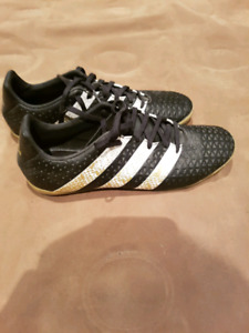 Adidas ACE indoor soccer shoes. Size 8.5