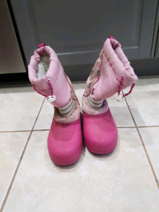 winter boots/Girls  size 4