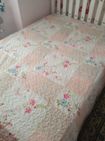 Double bed cover throw quilt blanket £5