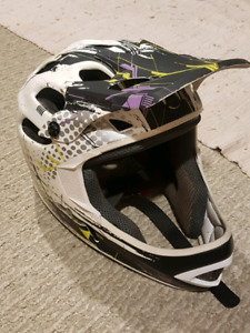 Specialized full face helmet With Pro Tec Gloves (Both L/XL)