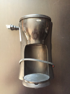 Used - Single serving coffee maker (coffee filters not required)