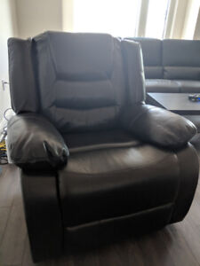 LIKE NEW Recliner for cheap (No scratches or scruffs)
