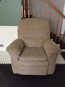 La-Z-Boy Rocker Recliner like new. $250 OBO