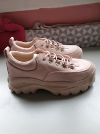 Pre owned ladies pink suede Truffle Collection size 7 trainers