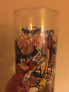 VARIOUS VINTAGE COLLECTIBLE GLASSES
