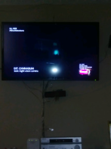 Selling 50 inch rca tv