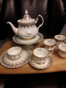 ROYAL ALBERT BINE CHINA