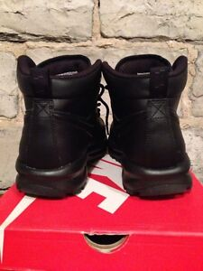 Nike boot size 8 Kingston Kingston Area image 3