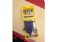 Ratchet wrench and spanner set