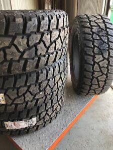 4 pneus mickey thompson ATZ LT 35x12.X20 neuf