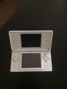 for sale Nintendo ds lite with one game (ninten dogs)  $30.00