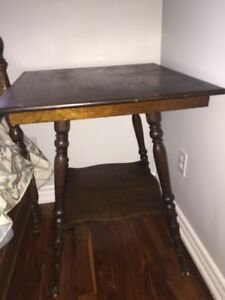 Vintage 2 tiered solid oak occasional table