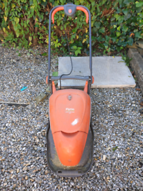 Lawnmower flymo compact 350