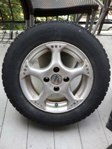 4 pneus avec mag de 13po - Pièces RARES