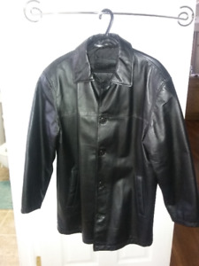 MEN'S BLACK LEATHER JACKET - SMALL
