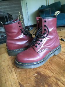 Doc Martens, Cherry Red, 8-hole