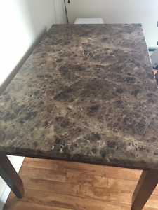 Dining table with 4 chairs -barely used